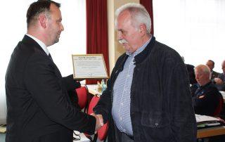 Zuchtfreund Jürgen Farrenkopf erhält die SV Ehrenmitgliedschaft